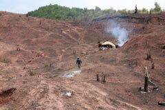 De landbouwer is Vernietigd tropisch regenwoud in Thailand, voor Mo royalty-vrije stock afbeelding