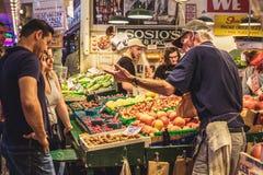 De Landbouwersmarkt van de snoekenplaats in Seattle, de V.S. royalty-vrije stock foto