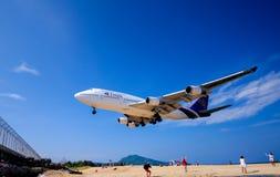 De landende Internationale Luchthaven van Phuket Stock Afbeeldingen
