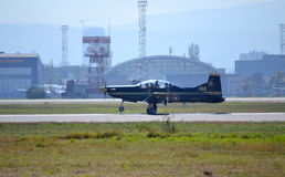 De landende Sofia luchthaven van PILATUS PC-9M Royalty-vrije Stock Afbeeldingen