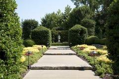De landschappenontwerp van Nice Dallas Arboretum royalty-vrije stock foto's