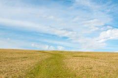 De landschapsweg kruist de heuvel Royalty-vrije Stock Foto