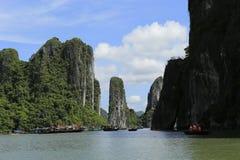 De lange baai van Ha in Vietnam stock fotografie