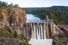De lange Dam van het Meer Stock Foto