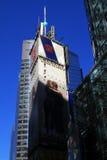 De lange gebouwen regelen af en toe in NYC Stock Foto