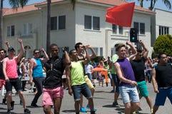 De lange Lesbische en Vrolijke Trots van het Strand Stock Foto