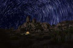De lange Slepen van de Blootstellingsster in Joshua Tree National Park Royalty-vrije Stock Foto