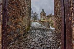 De lange weg aan Kasteel frankenstein Stock Afbeeldingen
