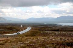 De lange weg in IJsland Royalty-vrije Stock Afbeeldingen