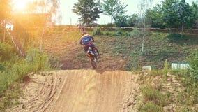 De langzame Ruiter van de Motie Extreme Motocross stock video