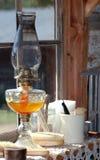 De Lantaarn van de olie in Venster royalty-vrije stock foto