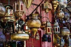 De lantaarns die de dag verlichten royalty-vrije stock afbeeldingen
