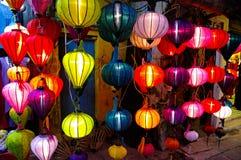 De lantaarns van de zijde in Hoi een stad, Vietnam royalty-vrije stock fotografie