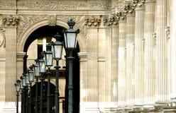 De Lantaarns van het Louvre van Parijs royalty-vrije stock afbeelding
