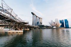 De laser toont van Singapore Marina Bay Sand en Tuin door de Baai Stock Foto