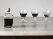 ` De Latte di Suocera del `, leche del ` del ` de la suegra traducida a inglés Licor italiano del artesano con el alto contenido  Fotografía de archivo libre de regalías