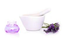 De lavendelbloemen, lavander halen en montar met droge die bloemen op wit worden geïsoleerd royalty-vrije stock foto's