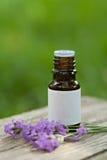 De lavendelolie van Aromatherapy royalty-vrije stock foto's