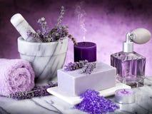 De lavendelproducten van het kuuroord stock foto's