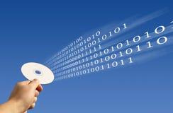 De lectura/grabación binario en CD/DVD Imagen de archivo libre de regalías