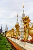 De leeuw bij wat banden tempel Stock Afbeeldingen