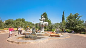 De Leeuwenfontein timelapse hyperlapse in een park in Yemin Moshe wordt gevestigd die Jeruzalem, Israël stock video