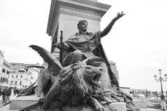 De leeuwStandbeeld van het brons Royalty-vrije Stock Foto