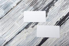 De lege bedrijfsbezoekkaart, gift, kaartje, pas, stelt dicht omhoog op zwart-witte achtergrond voor Collectieve exemplaarruimte, Stock Foto