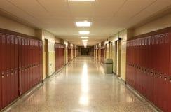 De lege Gang van de School stock foto's