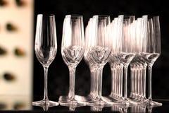 De lege Glazen van de Wijn Stock Foto