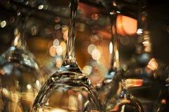 De lege Glazen van de Wijn Stock Afbeelding