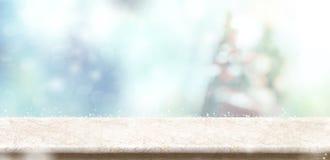 De lege marmeren bovenkant van de steenlijst met abstracte Kerstmis van het bokehonduidelijke beeld stock afbeeldingen