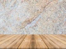 De lege tropische houten lijstbovenkant met donkere steenmuur, bespot omhoog backg Royalty-vrije Stock Foto's