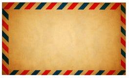 De lege uitstekende die envelop van de luchtpost op wit wordt geïsoleerd Stock Afbeelding