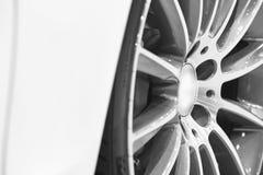 De legering van het sportvoertuig rijdt detail Autodelen royalty-vrije stock afbeelding
