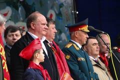 De leider van communistische partij van Rusland Gennady Zyuganov op een vergaderingsscène Stock Foto