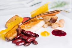 De leiding van restaurantvissen met rosted paddestoel - de herfstkleur Stock Afbeelding