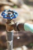 De lekke Tapkraan van het Water Stock Foto's