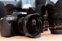 De lens van het vissenoog opgezet op een digitale SLR-camera Royalty-vrije Stock Afbeeldingen