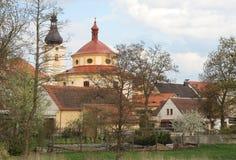 De lente in een kleine stad royalty-vrije stock foto