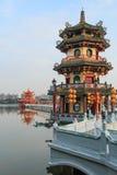 De lente en Autumn Pavilions, Lotus Pond, Kahosiung royalty-vrije stock afbeeldingen