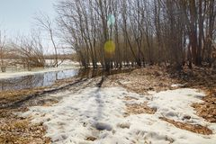 De lente Het laatste ijs op de rivier De Witrussische Lente van 2013 van Vitebsk van de Dvinarivier Royalty-vrije Stock Afbeeldingen