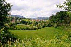 De lente in Italië Onder de Italiaanse hemel royalty-vrije stock foto