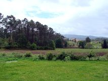 De lente natuurlijk landschap op de rand van de stad van Ponte DE Lima in Portugal royalty-vrije stock foto's