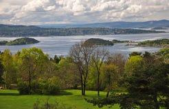De lente in Noorse Oslofjord royalty-vrije stock foto's