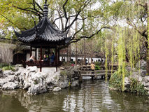 De lente in traditionele Chinese tuin Stock Afbeelding