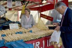 Verkopende asperge in Duitsland royalty-vrije stock afbeeldingen