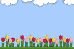 De lenteachtergrond met document tulpen wordt verfraaid die Royalty-vrije Stock Fotografie