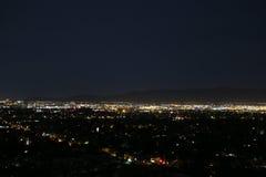 De lenteavond die neer van Camelback-Berg kijken Stock Afbeelding