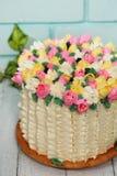 De lentecake op een blauw Royalty-vrije Stock Foto's